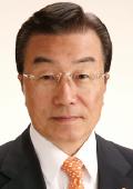 横田 英毅 氏